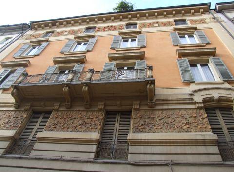 Piazza Mazzini, Modena, façade Art nouveau